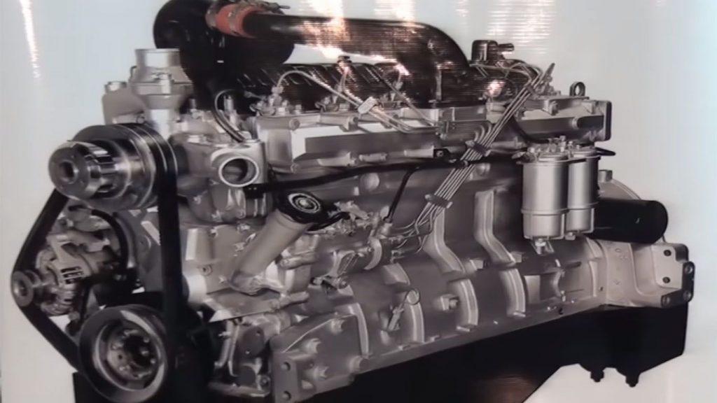 el motor de un tractor