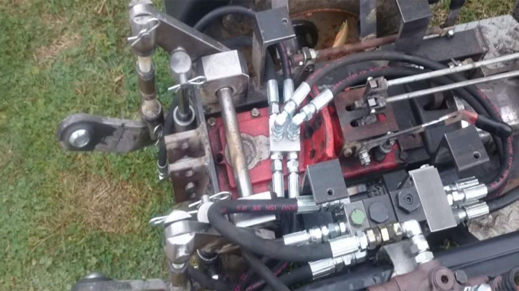 el sistema hidraulico de un tractor