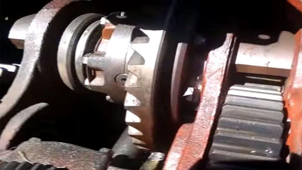el tomador de fuerza de un tractor
